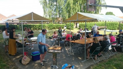 Barbecue in wijk Kapelhof
