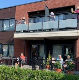 Vrijdagverrassingen voor bewoners van assistentiewoningen in Stockheim
